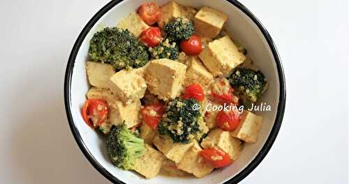 CURRY DE TOFU AU BROCOLI