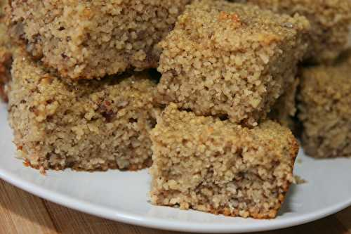 Semolina Squares with Walnuts