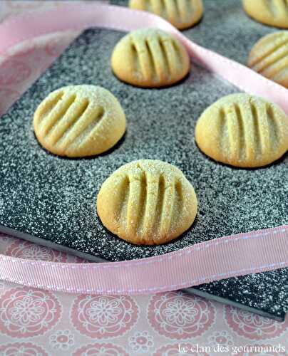 "Biscuits ""pattes de chat"" - Le clan des gourmands"
