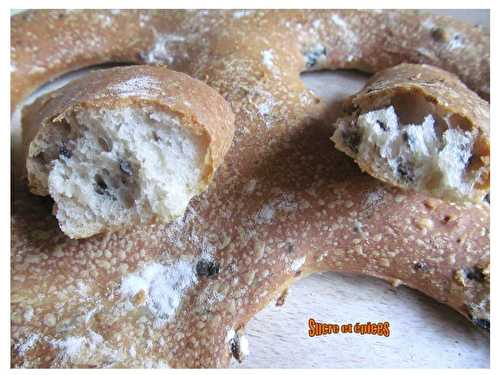 Fougasse aux olives noires - sucreetepices.over-blog.com